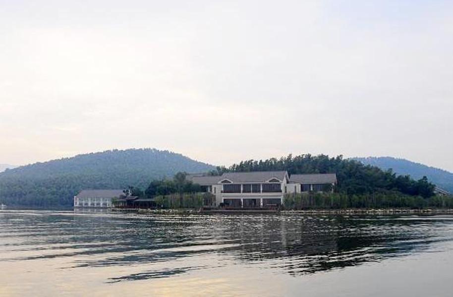【池州平天半岛大酒店】地址:平天湖风景区1号桥 –