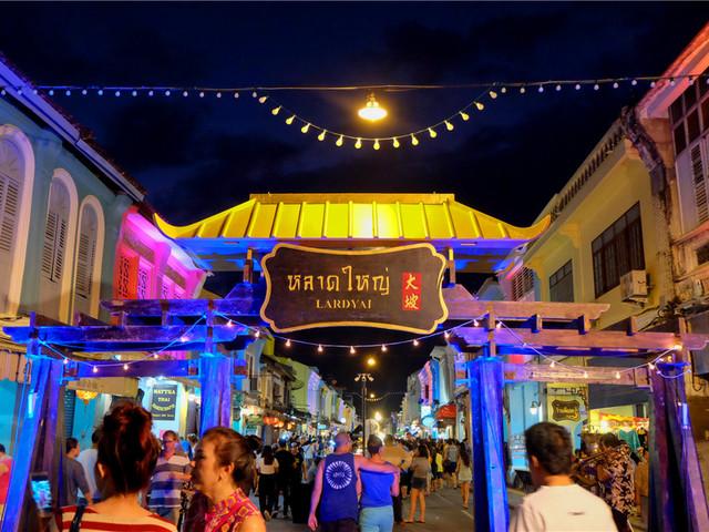 普吉岛夜市——普吉步行街